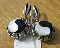 """Контрастные серебряные серьги с перламутром """"Знак бесконечности"""" от студии LadyStyle.Biz, фото 1"""