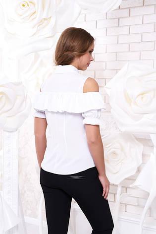 """Яркая блуза """"Урана"""" с открытыми плечами и воланом (белого цвета, в размере L), фото 2"""