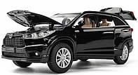 Коллекционный автомобиль Toyota Highlander (черный)