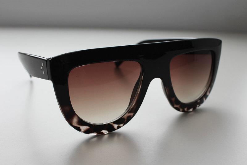 Жіночі сонцезахисні окуляри в леопардовій або однотонної оправі