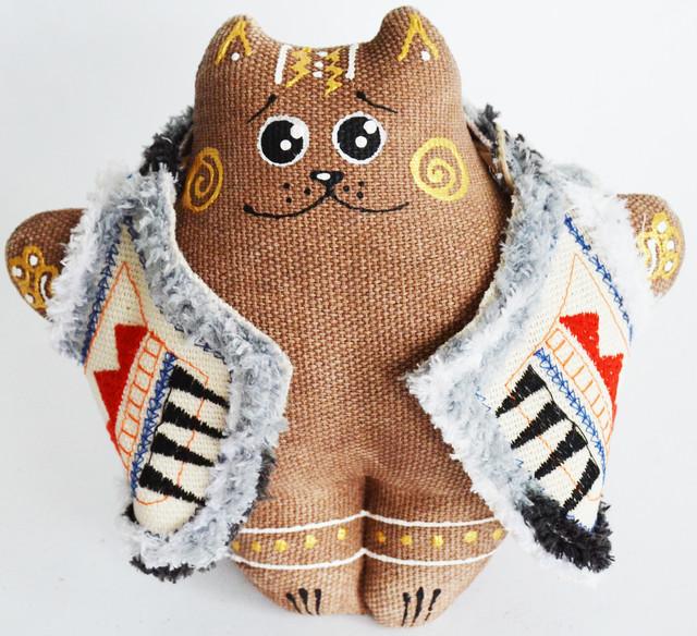 Кот в кожушке. Украинский сувенир.