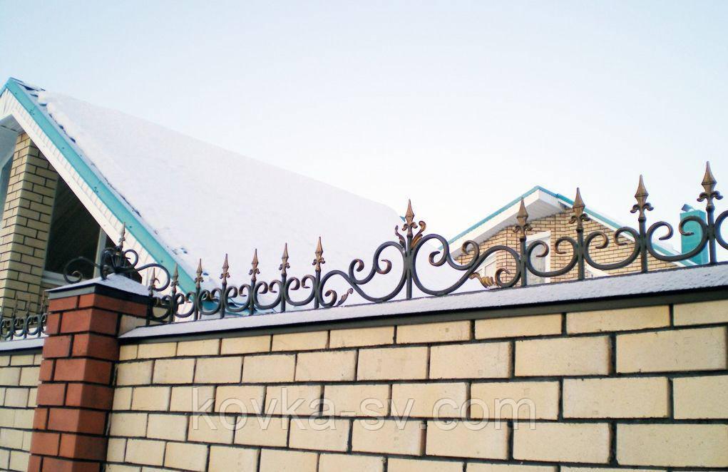 Вставка кованая в забор