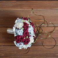 Свадебный букет-дублер невесты с бордовыми розами