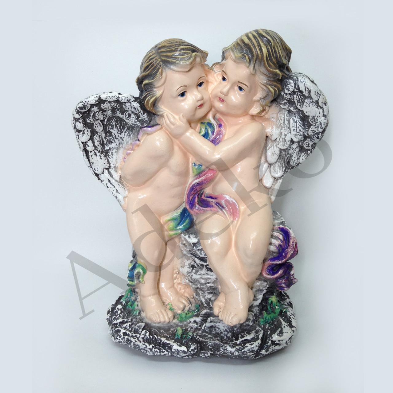 Садовая фигура Влюбленные ангелочки на камнях 38 см