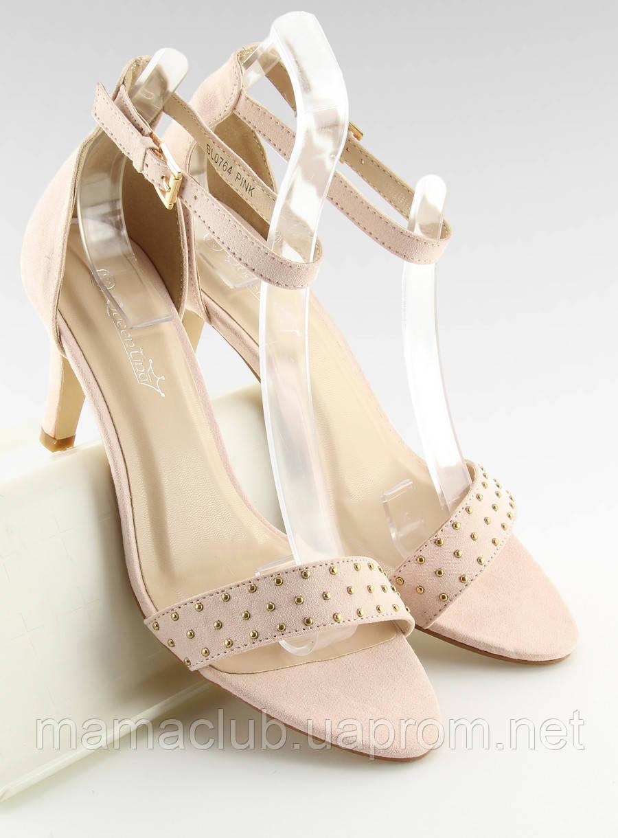 371234375 Светло-розовые женские босоножки на устойчивом каблуке -