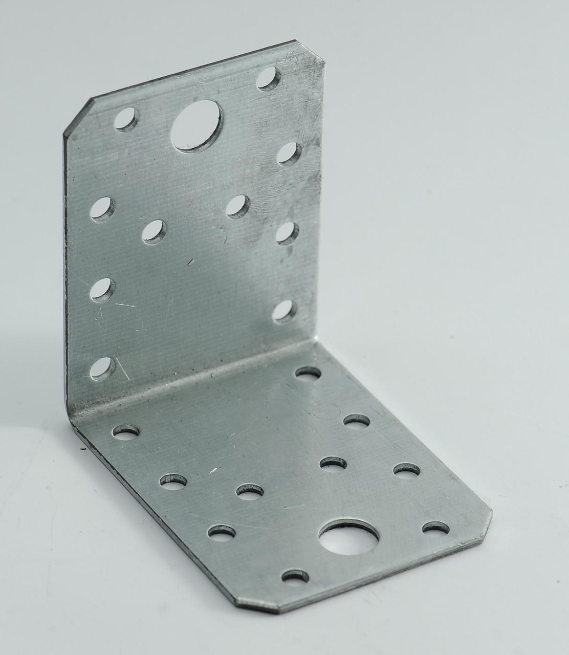 Уголок универсальный 70х70х55 х 1,8 мм