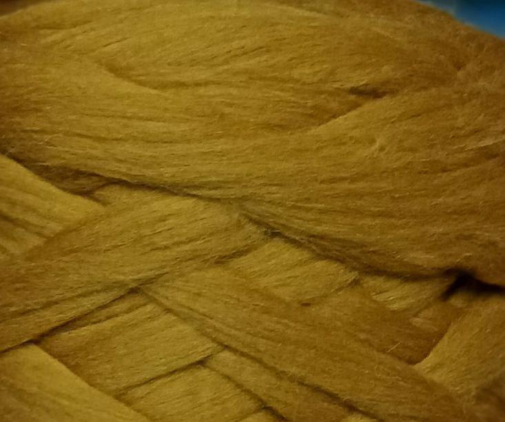 Толстая, крупная пряжа 100% шерсть 1кг (40м). 25 мкрн. Цвет: Темно-бежевый. Топс. Лента для пледов