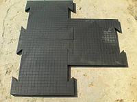 Модульное резиновое напольное покрытие.