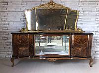 Комод с зеркалом   в стиле барокко.