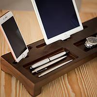 Деревянная подставка для телефона и планшета