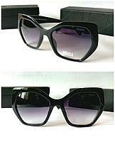 Женские очки Prada черные оверсайз