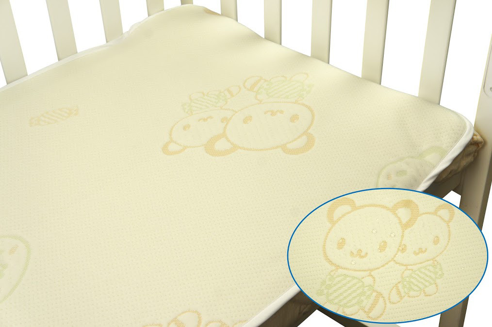 Непромокаемый наматрасник в детскую кроватку 60х120 жаккард