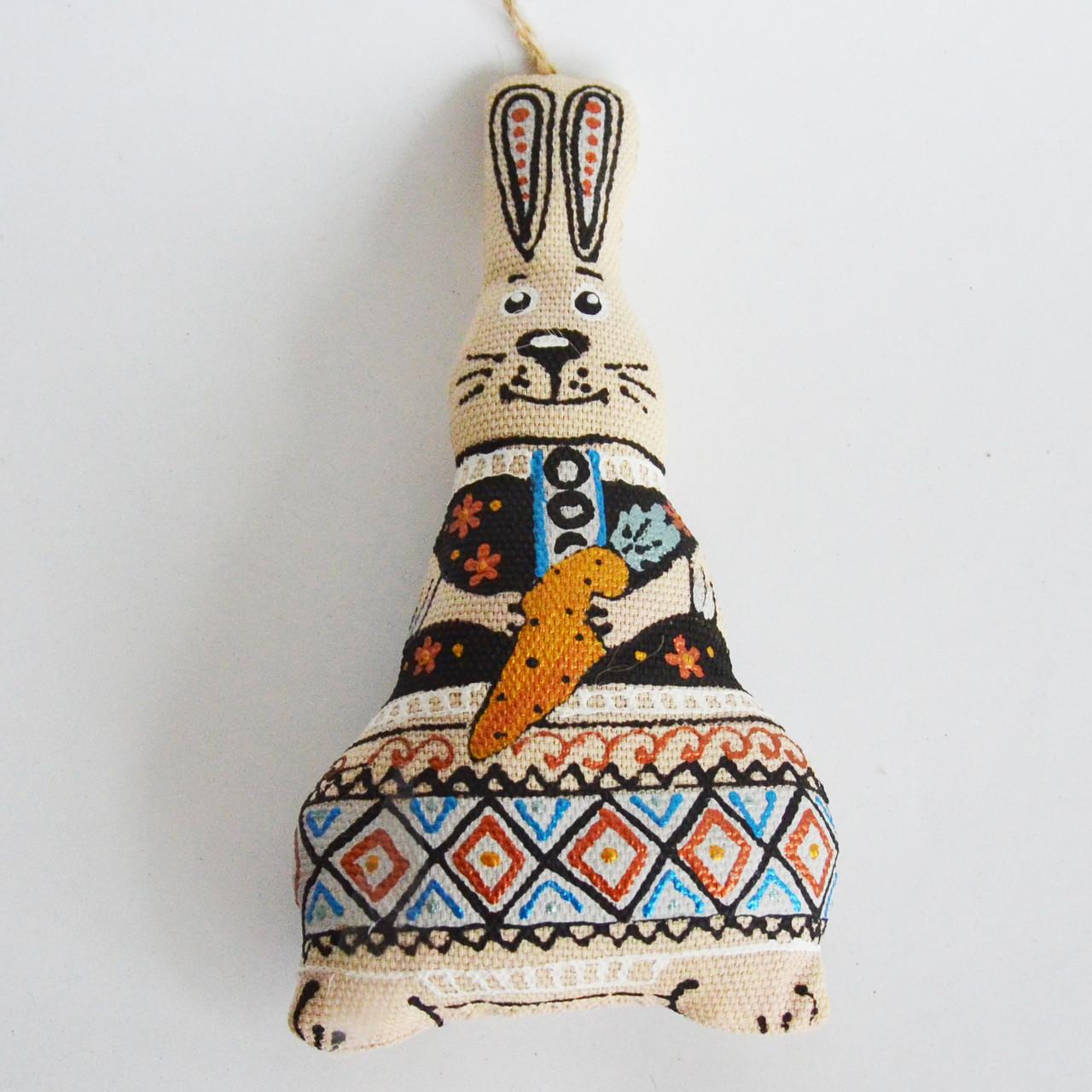 Зайчик с морковкой. Пасхальное украшение, фото 1