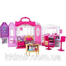 Игровой набор Дом Барби переносной с мебелью Barbie Glam Getaway House