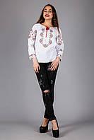Женская вышитая блуза крестиком золотистыми нитками