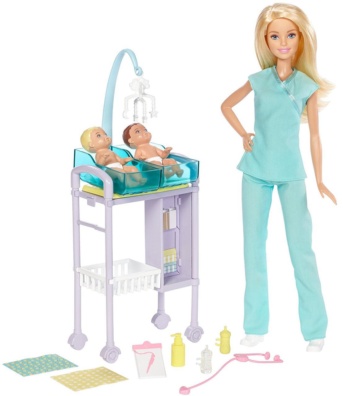 Игровой набор Барби Педиатр с двумя малышами Детский доктор Barbie Baby Doctor Playset