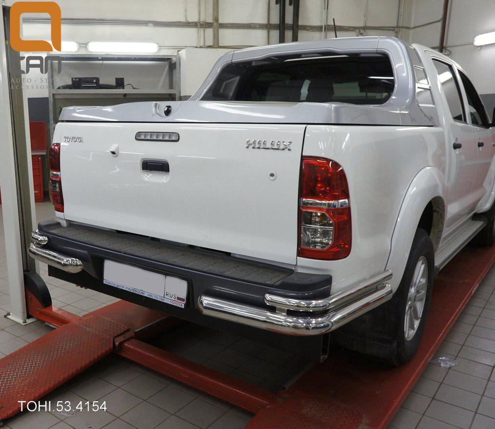 Защита заднего бампера Toyota Hilux (2012-2015) (уголки) d 76/42