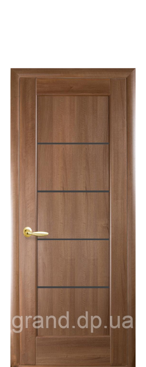 Межкомнатная дверь   Мира ПВХ DeLuxe с черным  стеклом ,цвет золотая ольха