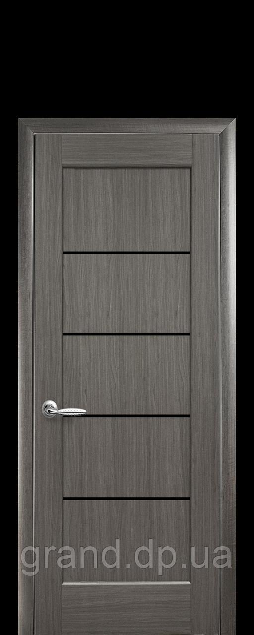 Межкомнатная дверь  Мира ПВХ DeLuxe с черным  стеклом ,цвет серый