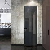 Двери скрытого монтажа с черным стеклом