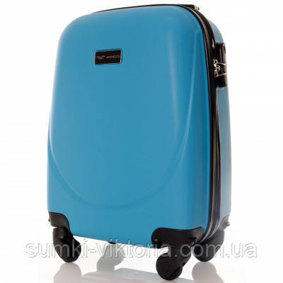Чемодан дорожный пластиковый малого размера на 4-х колесах - купить ... b7d45991a18
