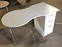 Классический маникюрный столик, складной. Модель V237 белый