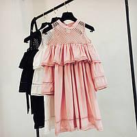 Женское модное платье с воланами, сеткой и и открытыми плечами розовое (пудра), фото 1