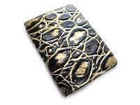 Черно-золотая обложка для паспорта из натуральной кожи