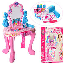 Туалетні столики, дитяча косметика, шкатулки
