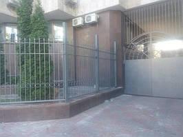 Откатные ворота, забор металлический (Киев, Посольство Франции в Украине) 8