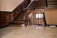 Лестницы маршевые, лестница с резными балясинами, деревянные лестницы, лестница из дуба, лестница под заказ