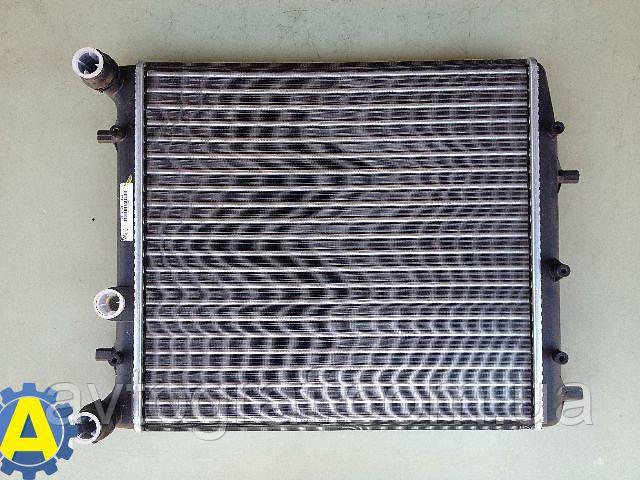 Радиатор охлаждения двигателя (основной) на Шкода Фабиа (Skoda Fabia) 2005-2007