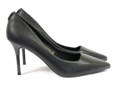 Черные классические женские туфли