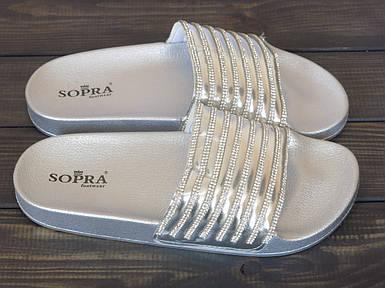 Серебристые женские шлепанцы в стразах Sopra