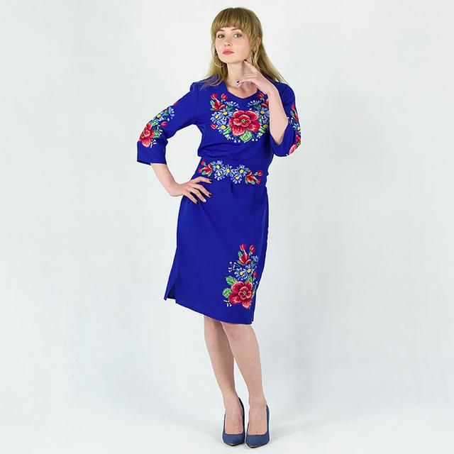 Мальва з волошками плаття синього кольору