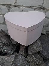 Картонна Коробка у формі серця(35см рожеве)