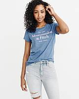 Женская синяя футболка с принтом Abercrombie & Fitch, фото 1