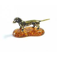 Фигурка сувенир из бронзы и янтаря Собака такса