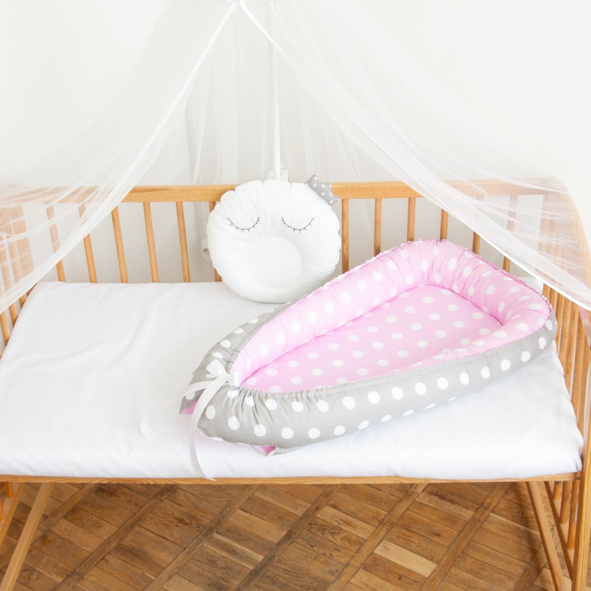 """Гнездышко-кокон для новорожденных """"Белые горошки"""""""