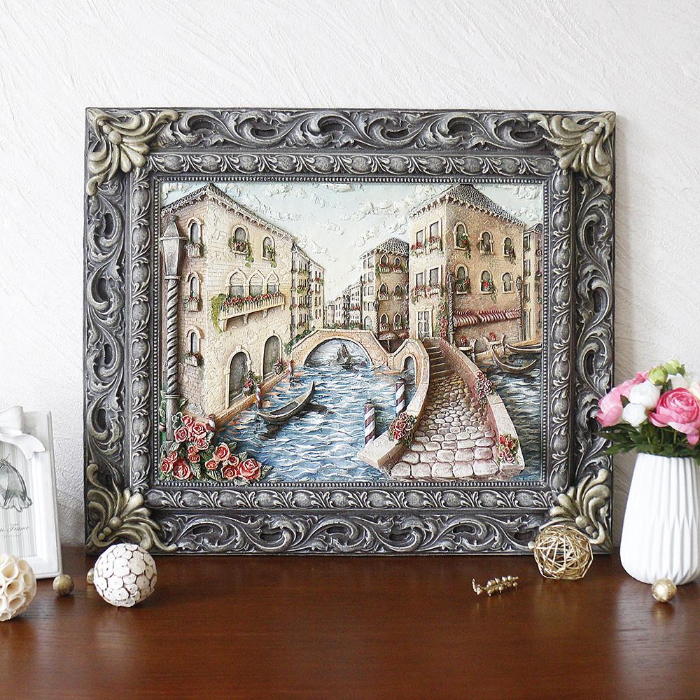 Картина барельєф з міським пейзажем