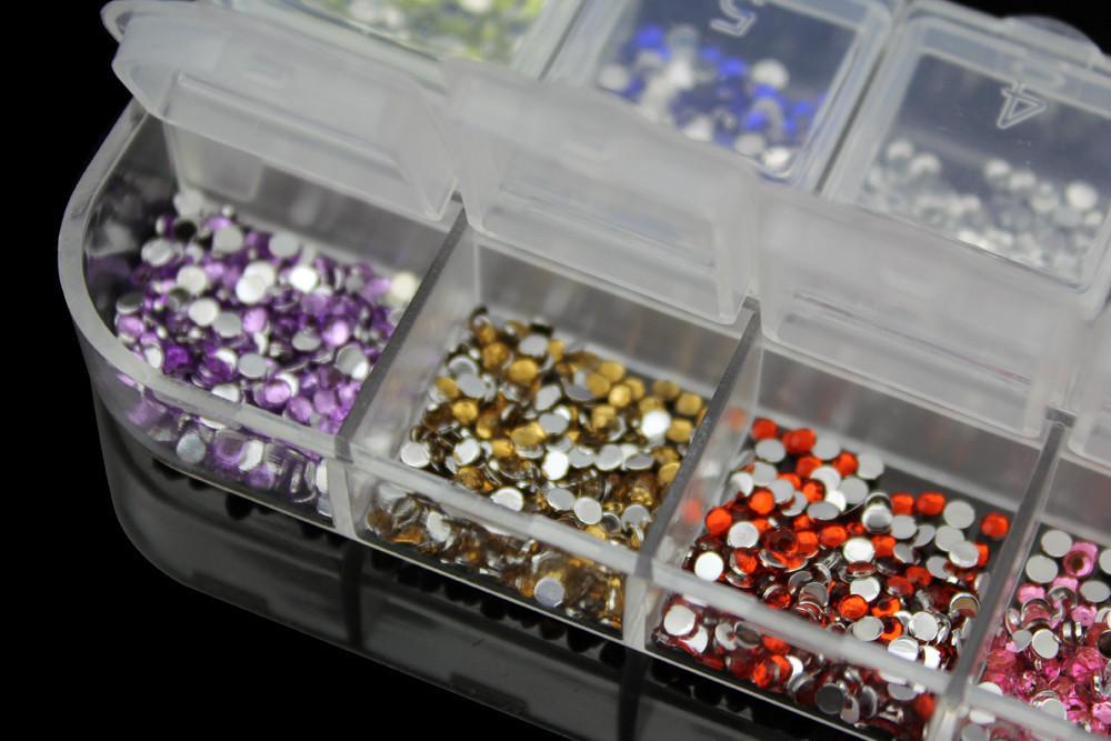 Стразы для дизайна ногтей в каccете, 2 мм, 12 цветов, 2500шт.