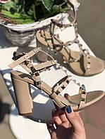 Женские босоножки c заклепками Valentino 'Rockstud', фото 1