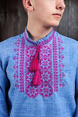 Вышитая сорочка для мужчин (джинс) с малиновой вышивкой, фото 3