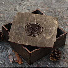 Деревянная подарочная упаковка 12х12х5 см