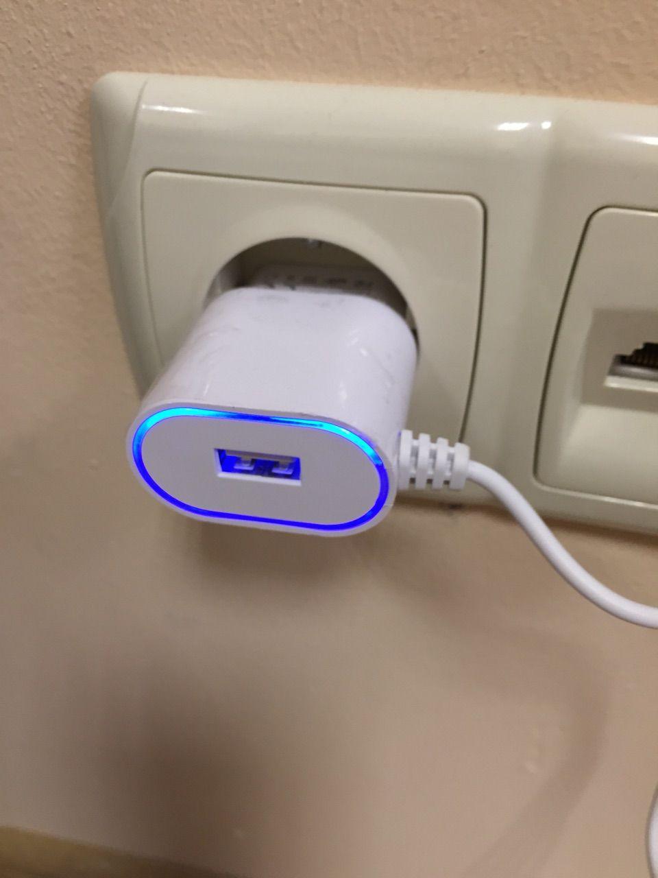 Зарядное устройство СЗУ ASPOR A802 IPHONE 5/6/7 1A + USB с подсветкой, для айфона