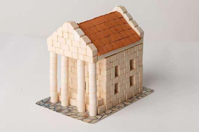 """Банк - міні-конструктор  з керамічних цеглинок серії """"Старе місто"""""""