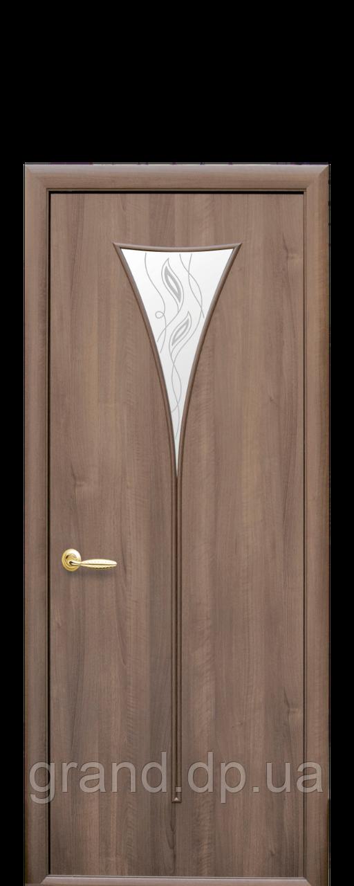 Межкомнатная дверь  Бора ПВХ DeLuxe со стеклом сатин и рисунком, цвет золотая ольха