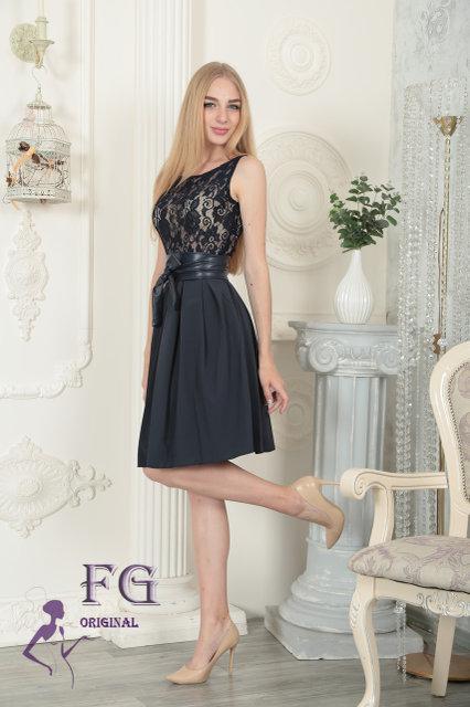 Праздничное платье по фигуре с поясом-бантом шифоновая юбка темно-синее