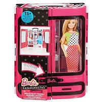 Шкаф чемодан с одеждой Барби розовый Barbie Fashionistas Closet DMT57
