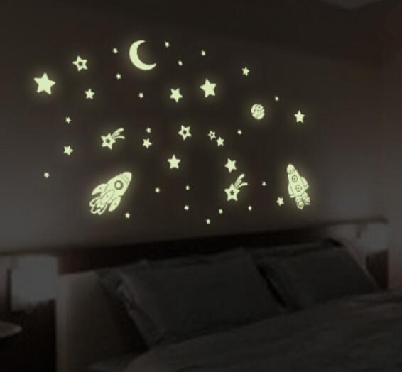 Наклейки на стену, светящиеся в темноте. РАКЕТЫ